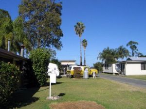 Browns Caravan Park - Accommodation Broome